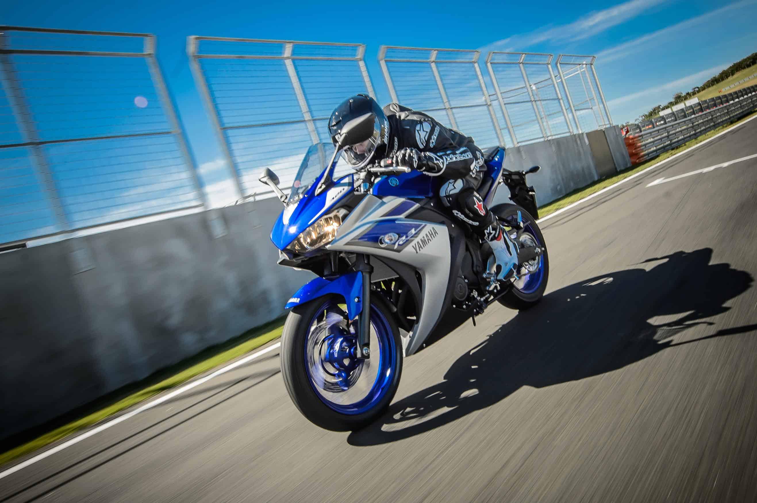 Yamaha YZF-R3 azul