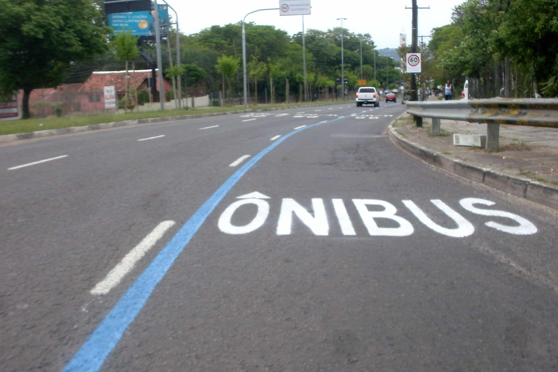 Aumento da multa na faixa de ônibus