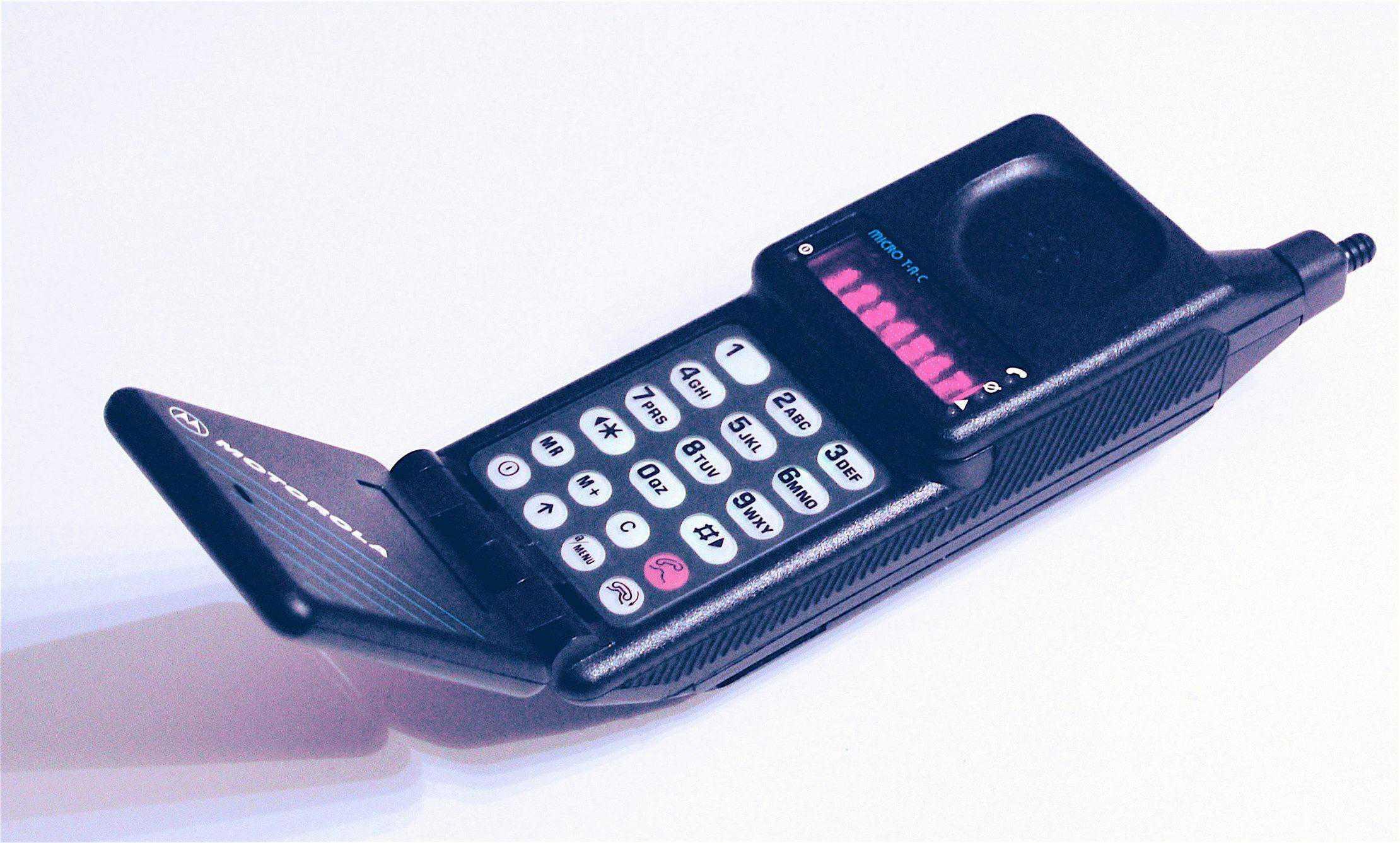 multa por dirigir falando ao celular aparelho