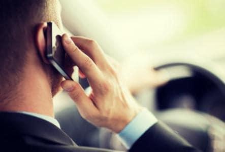 falar ao celular