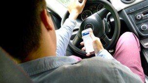 Uso do celular enquanto dirige