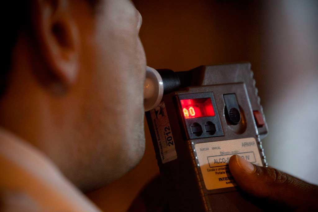teste etilômetro recusa Bafômetro