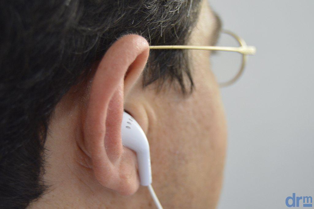 Dirigir com fone de ouvido