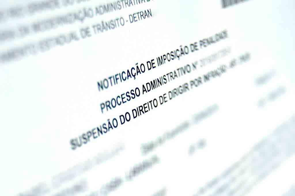 Notificação de suspensão da CNH