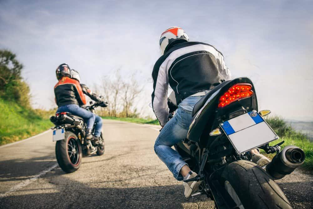 andar moto segurança velocidade