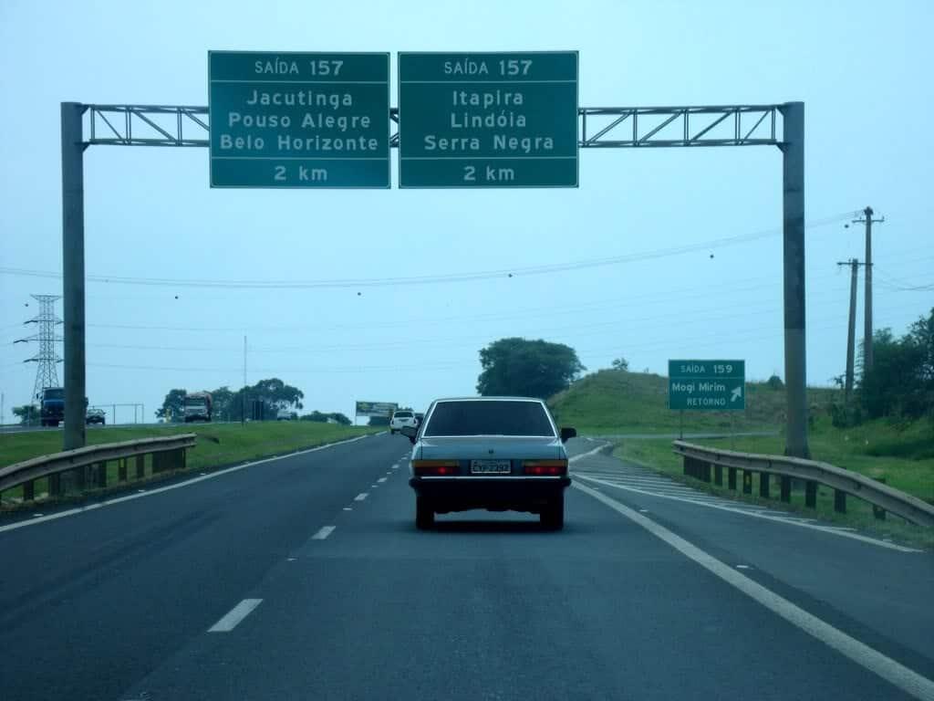 placa de trânsito indicação