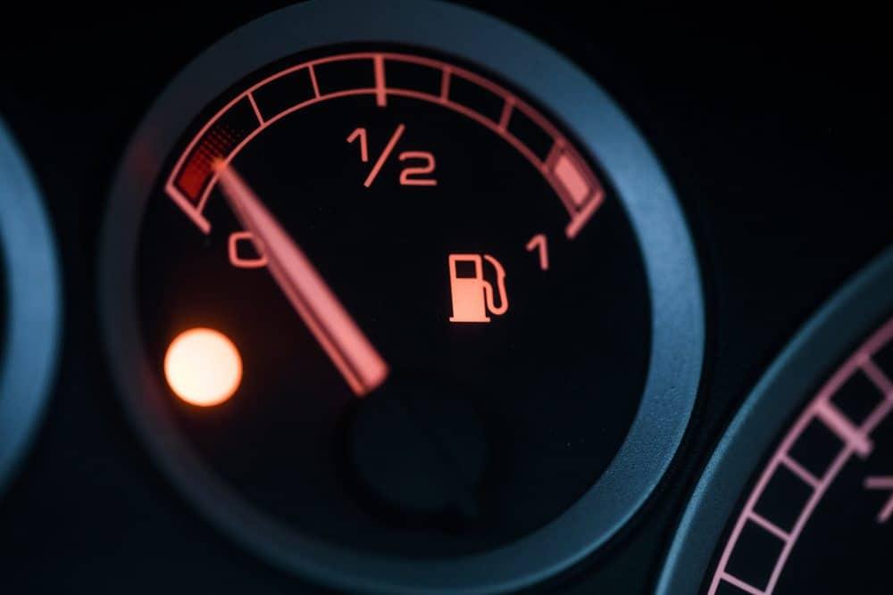 como dirigir bem combustível