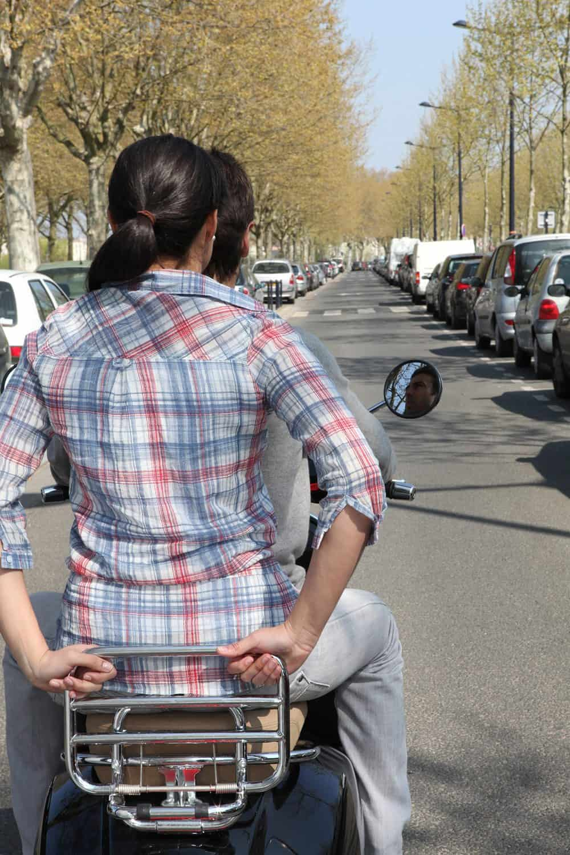 dirigir sem capacete