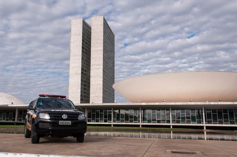 faixa de onibus brasilia transito