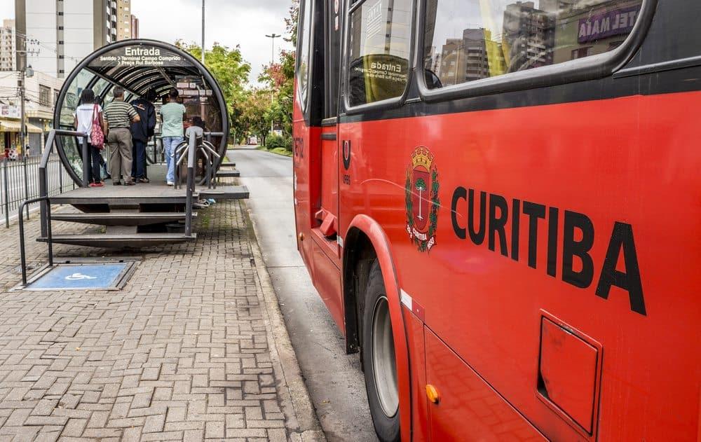 faixa onibus curitiba apenas para onibus