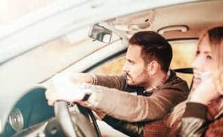 Celular Ao Volante: Saiba Quando Você Corre Risco de Levar Multa