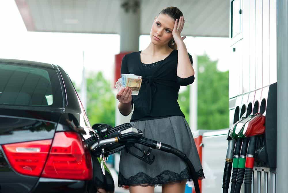 como economizar combustivel na cidade
