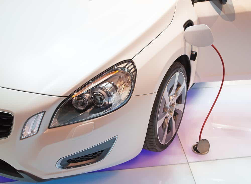 montadoras competirao com tesla carros eletricos concorrentes
