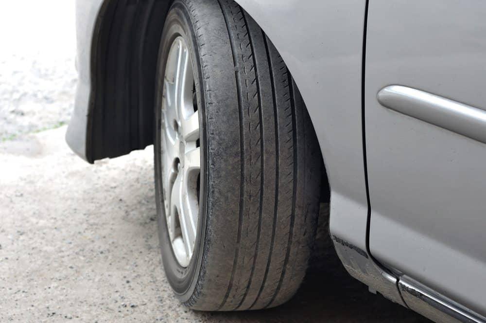 rodizio de pneus pneu considerado careca