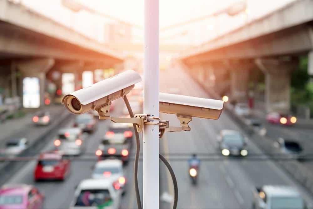 cameras de transito podem multar veja lei