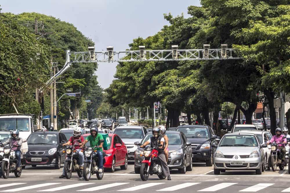 cameras de transito realidaes estradas brasileiras
