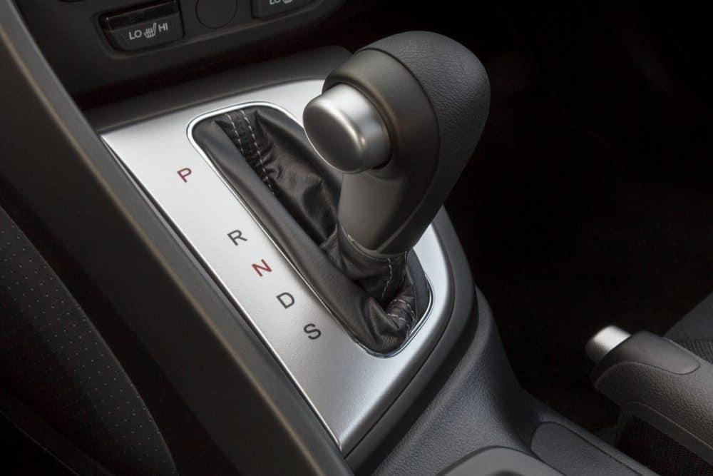 como aprender a dirigir carros automaticos