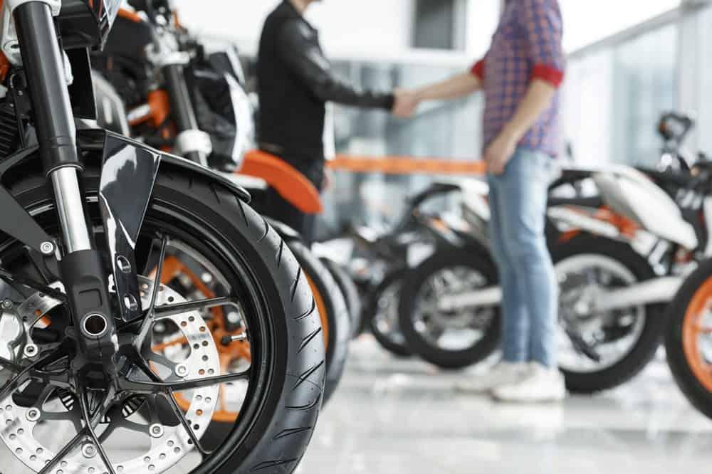 comprar moto o que levar em conta nova