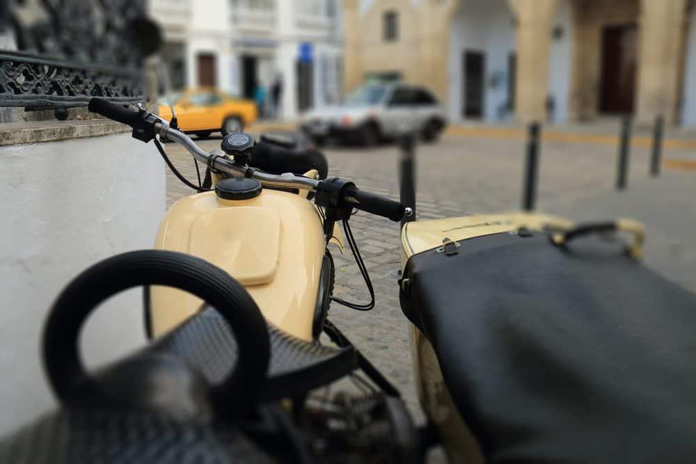 leilao de motos o que acontece moto apreendida