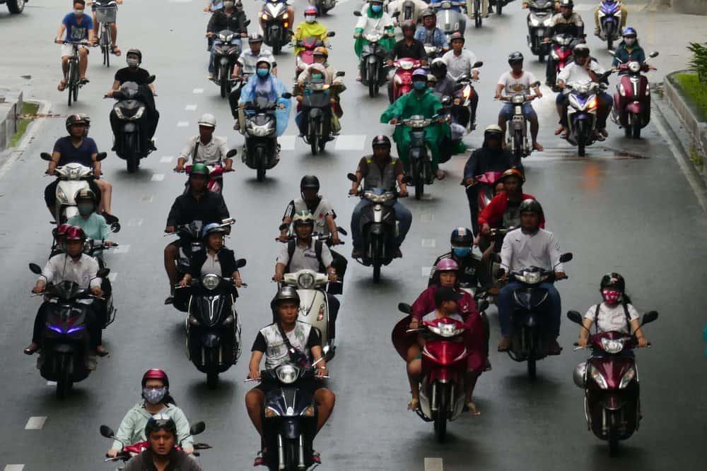 pilotar moto de chinelo penalidades cnh