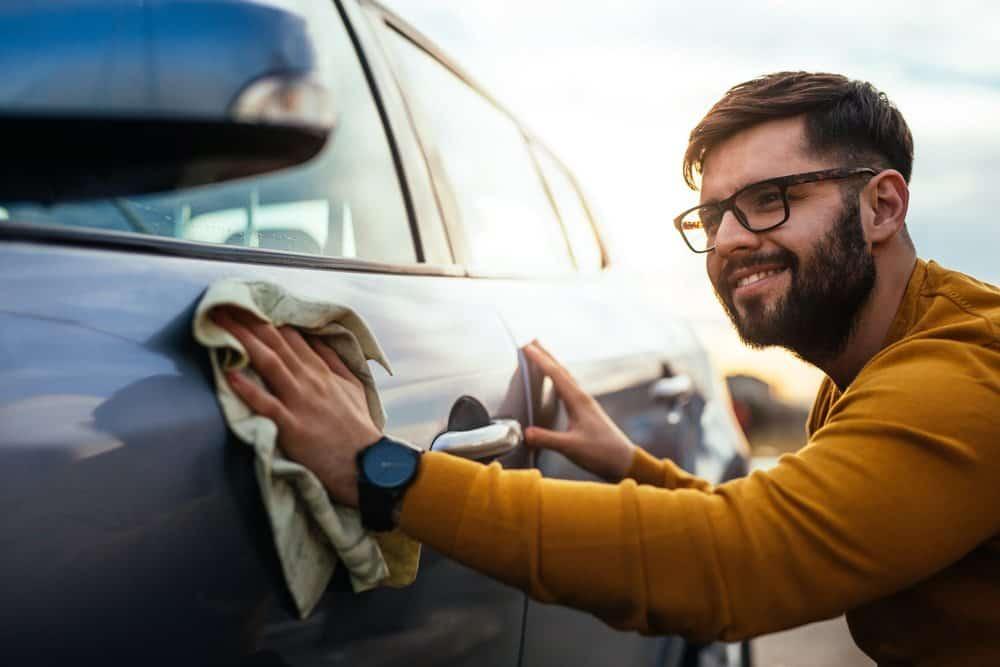 como lavar o carro maneira certa