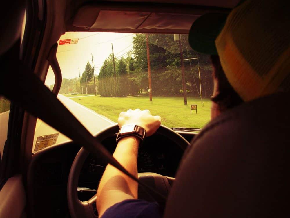 dirigir sob efeito de medicamentos combinacao perigosa
