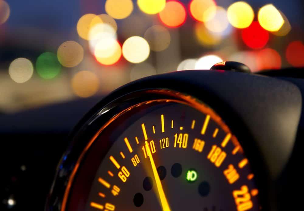 suspensao do direito de dirigir por excesso de velocidade quando ocorre