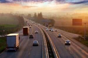 Pesquisa Aponta Atitudes de Motoristas Brasileiros em Rodovia