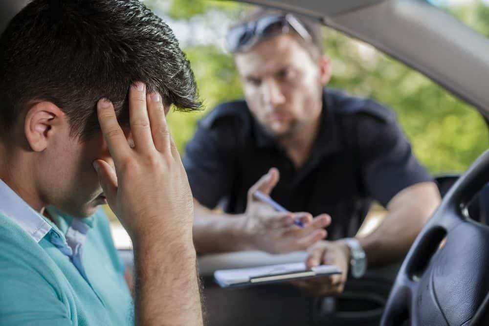 para quem vai a multa de transito condutor proprietario entenda