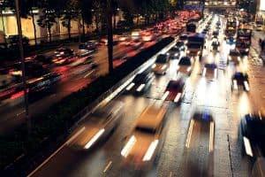 Projeto de Lei Pode Acabar Com o Limite de Velocidade na Madrugada