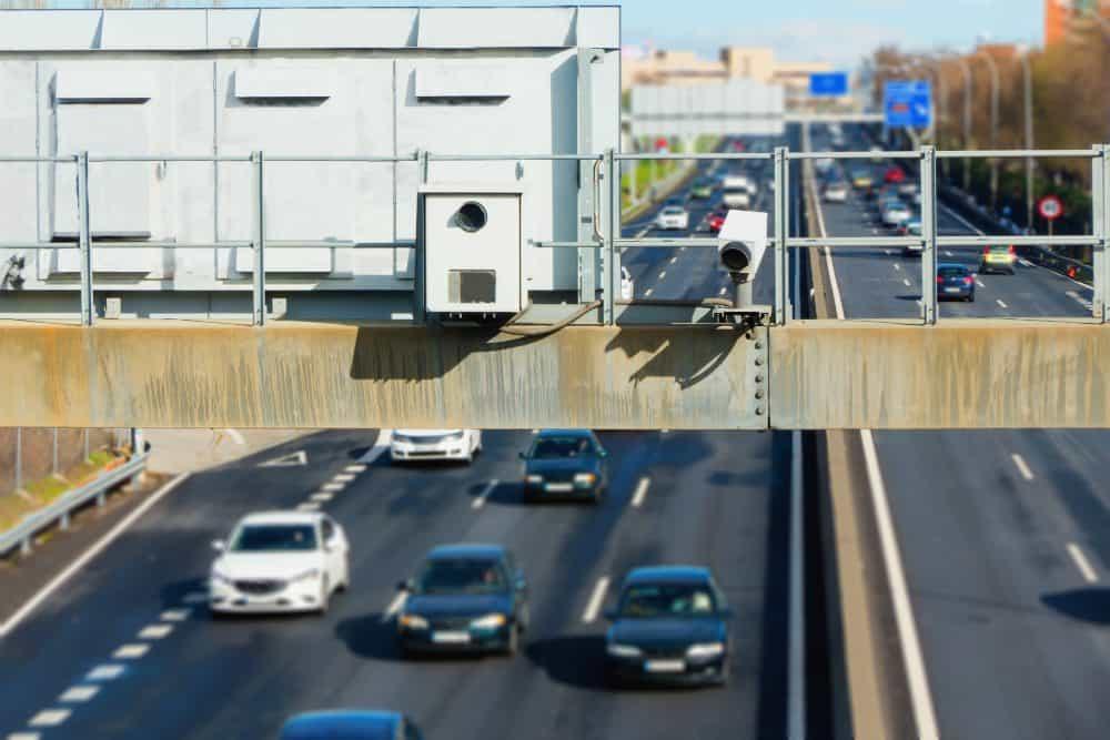 limite de velocidade radares visiveis