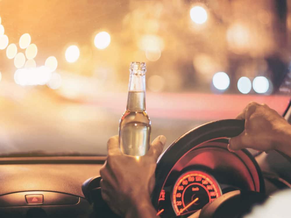 Desde a entrada em vigor da Lei nº 13.546/17, o delegado não poderá mais arbitrar fiança em caso de homicídio culposo ao volante por embriaguez