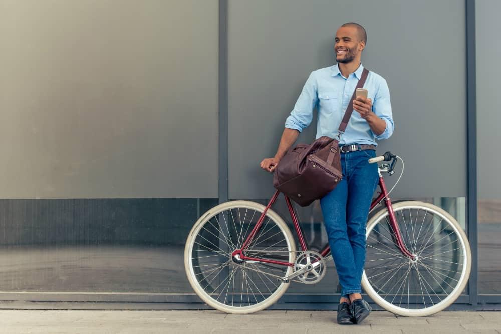 Pesquisa realizada no ano de 2018 aponta que a maioria dos ciclistas brasileiros utiliza o veículo para ir ao trabalho