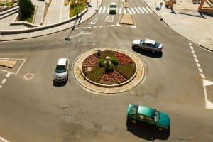 Cruzamentos e a Preferência de Trânsito: Esclareça suas Dúvidas