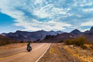 Viajar De Moto: Dicas De Filmes Para Inspirar E Infrações Para Evitar