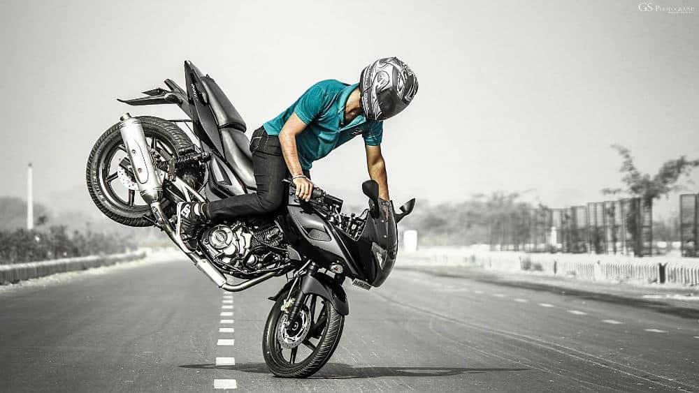 Malabarismo com a moto suspende a CNH