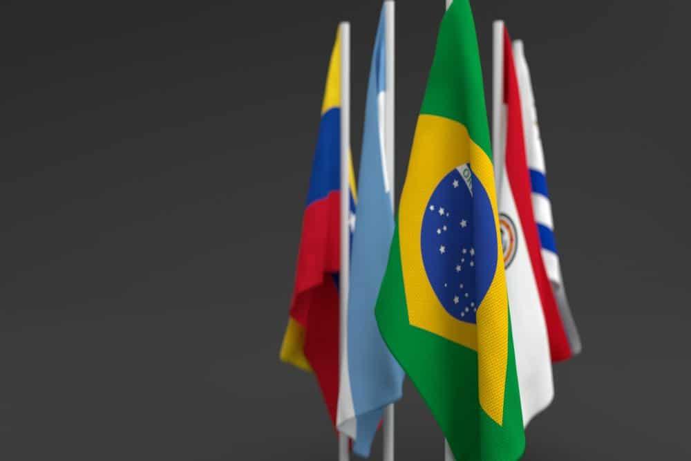 Seja como Estado Parte ou associado, todos os países da América do Sul fazem parte do MERCOSUL