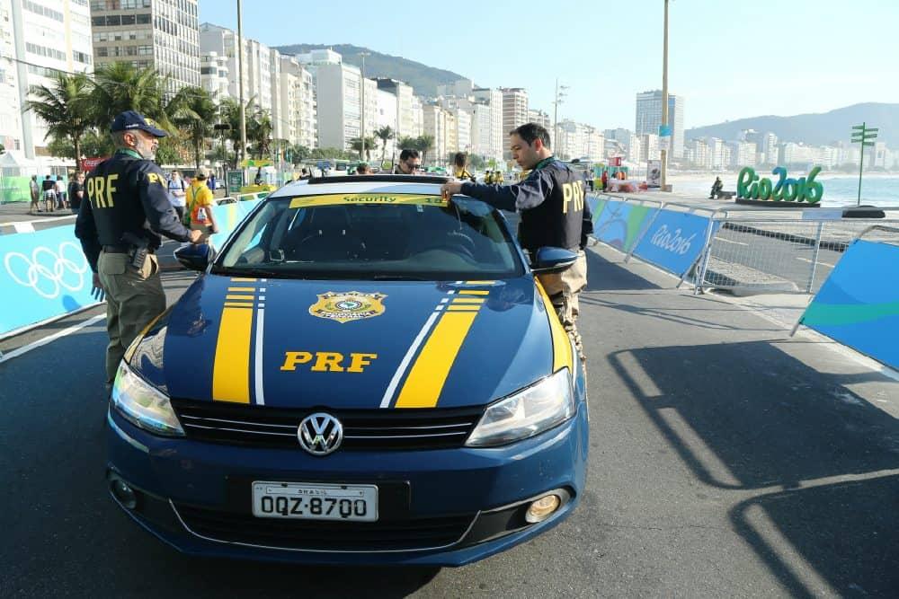 Os itens de segurança do novo modelo permitem a integração com o banco de dados das forças policiais