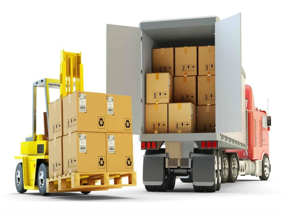 A carga deve ser igualmente distribuída pela extensão do caminhão