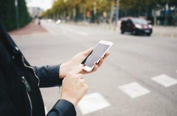 Denunciar Infrações de Trânsito Por Aplicativos Eletrônicos: É Permitido?