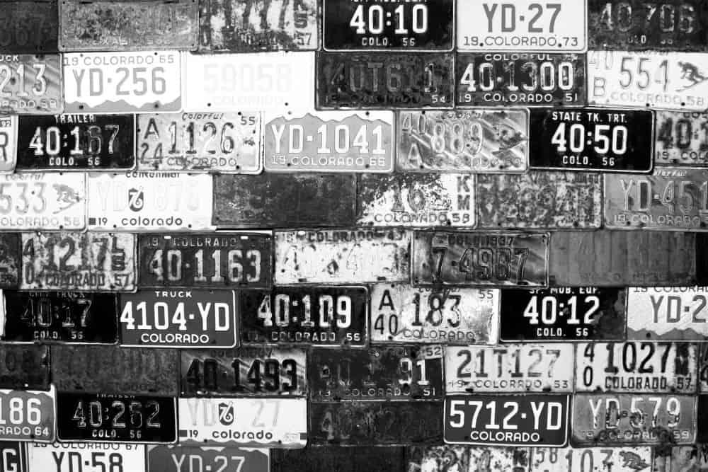 Esteja sempre atento às condições das placas do seu veículo e evite ser multado