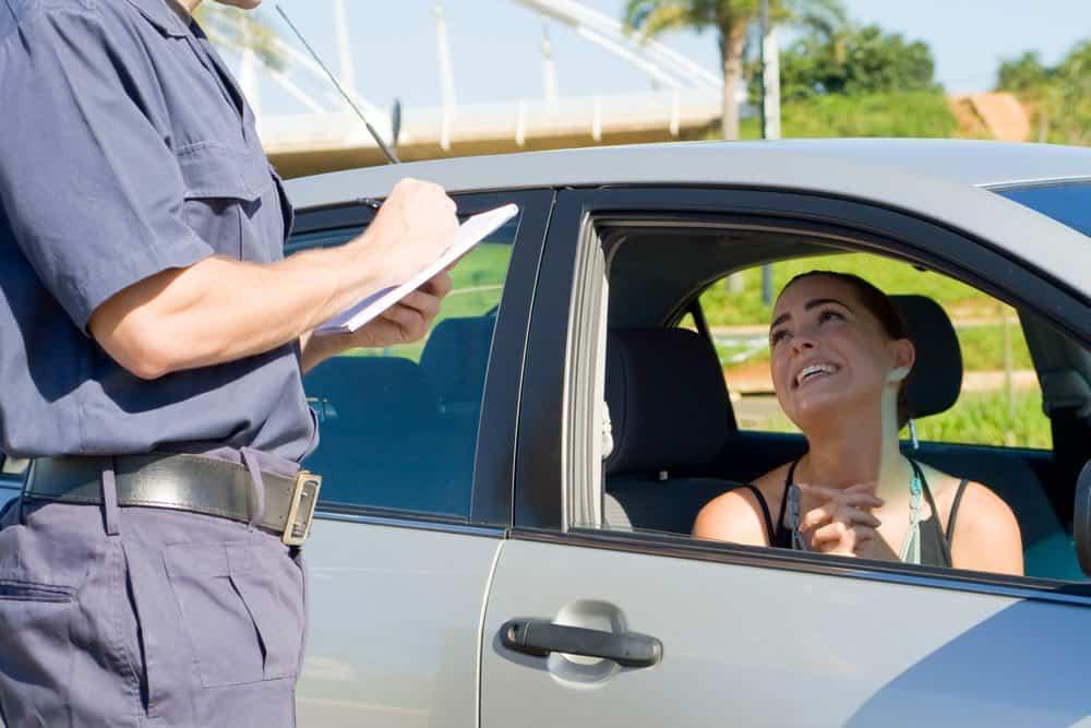 Estar com o registro do veículo em atraso pode gerar multa grave