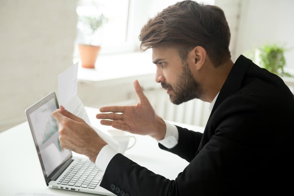 A consulta de multas pode ser realizada pela internet