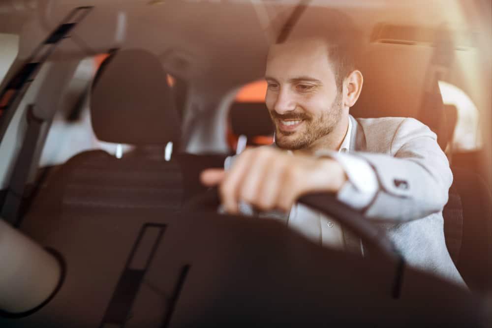 A comunicação com seu carro nunca foi tão fácil; aproveite essa tecnologia.
