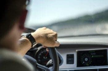 Aprenda Como Fazer Retorno, Conversão e Estacionamento em Segurança