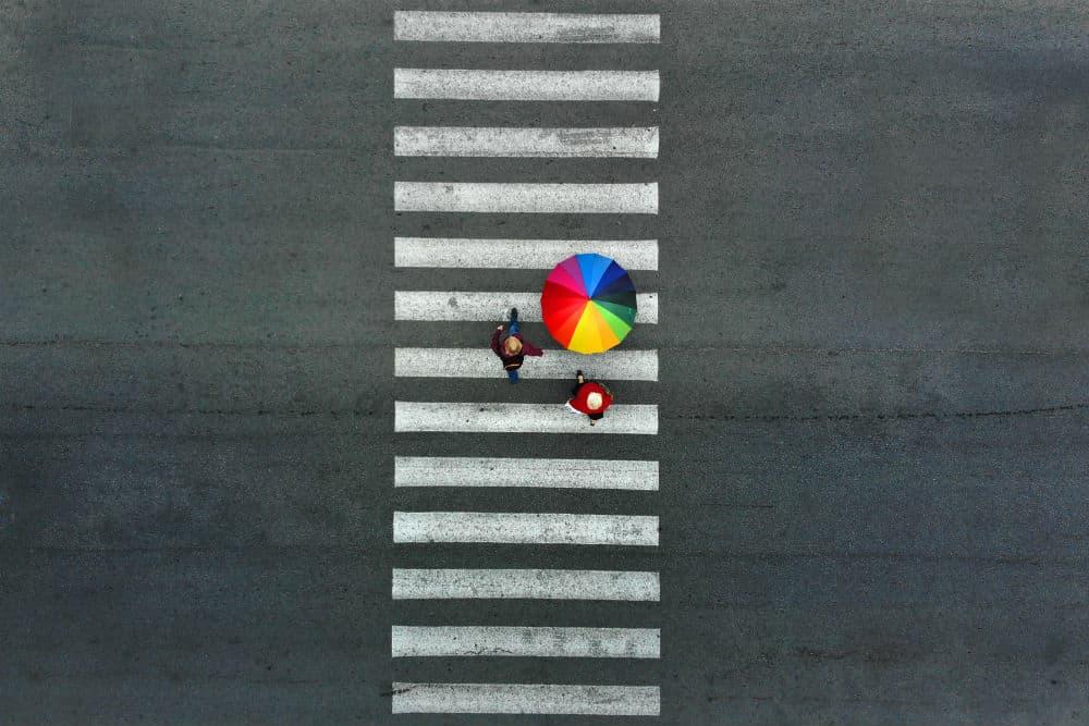 A Lei assegura aos pedestres que trafeguem em segurança pelas vias