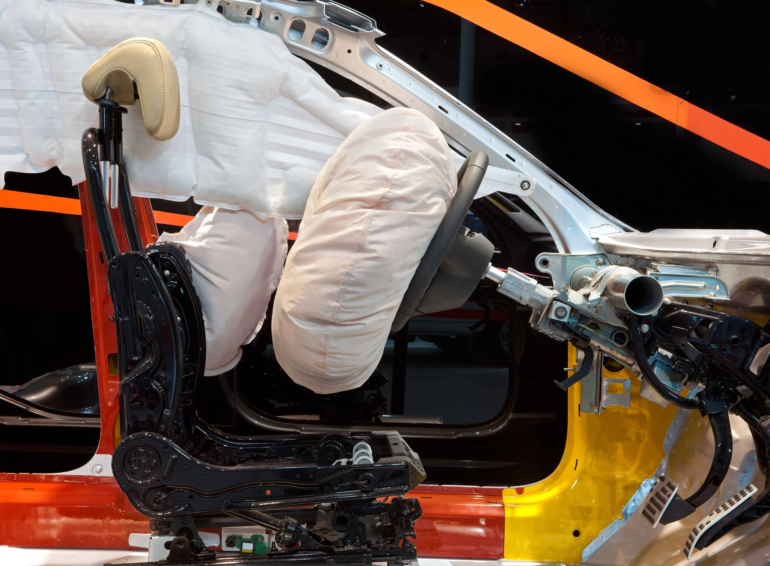 Existe no mercado uma variedade bem grande de tipos de airbag. Muitos deles, no entanto, são disponibilizados apenas no mercado internacional.