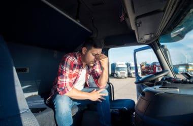 Caminhões com Dívidas Atrasadas: Compra, Financiamento e Muito Mais